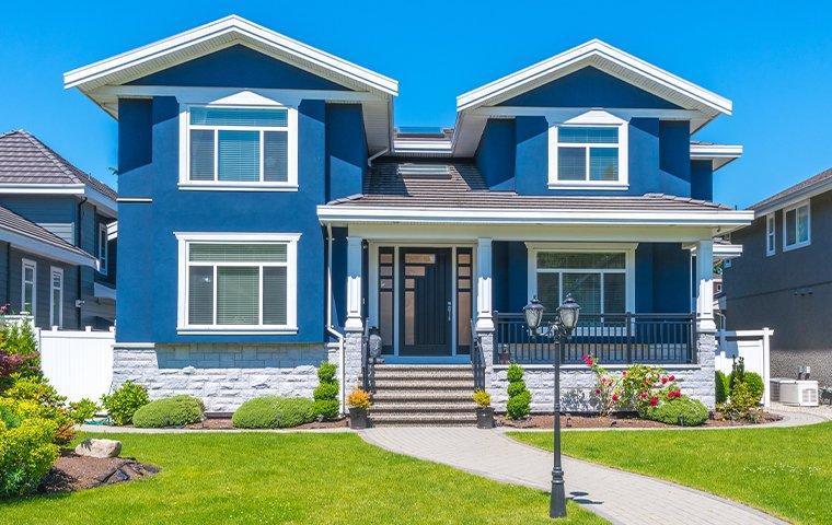 blue house in lexington