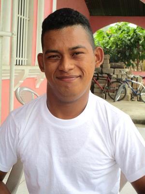Henry Nahum Ponce Lopez