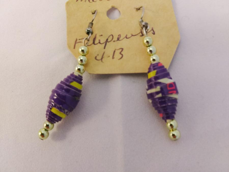 Dominican Republic Paper Bead Earrings (Purple)