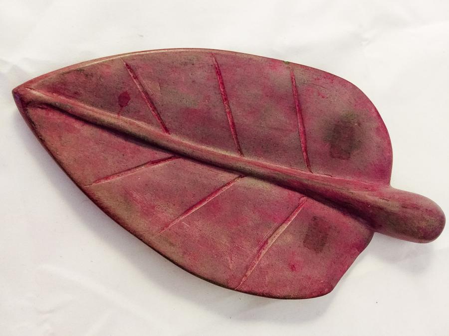Haiti Stone Leaf-Shaped Soap Dish