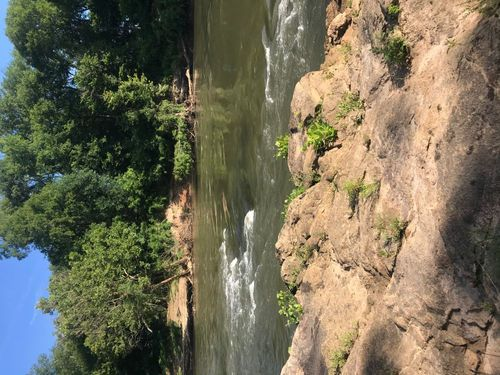 Large Rock Outcropping (Credit: Pacolet River Outfitters)