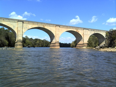 Looking at one of the iconic railroad bridges that crosses the Broad River (Credit: Upstate Forever)