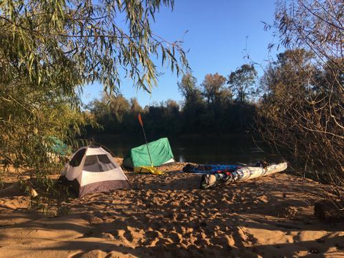 Sand bar campsite. (Credit: TA)