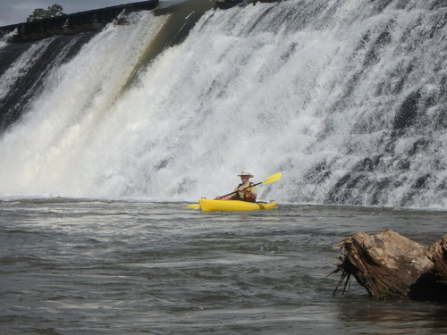 Neal Shoals Dam at put-in (Credit: P Cumalander Frick)