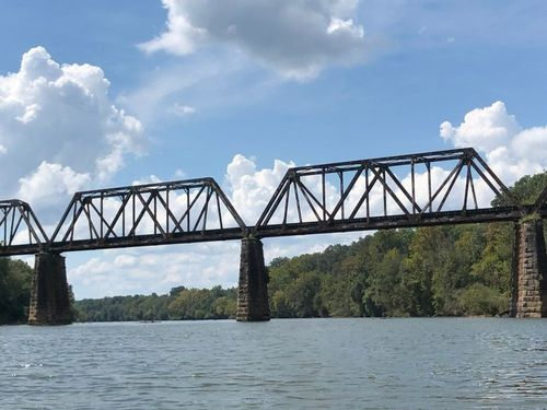Railroad trestle at river mile 45.4, about 0.7mi upstream of Shelton Ferry tamp. (Credit: Tad Abraham)