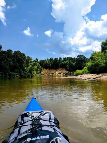 Wateree River sandbar and cutbank (Credit: Miles Groff)