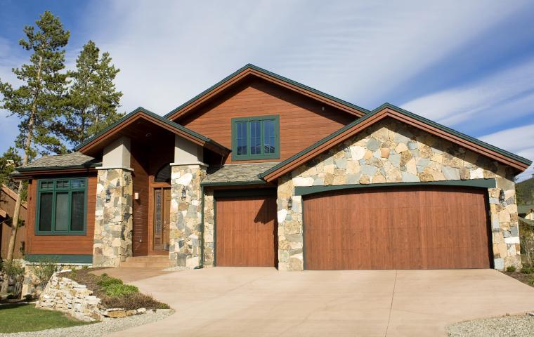 stone home in colorado