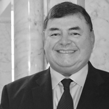 Robert W Rodriguez