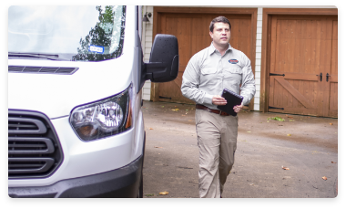 austin tx pest control technician arriving for pest control treatment