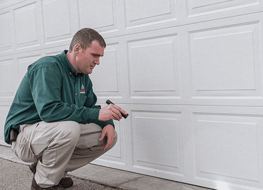 terre haute pest control technician inspecting for bugs