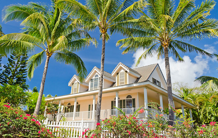 the exterior of a home in honolulu hawaii
