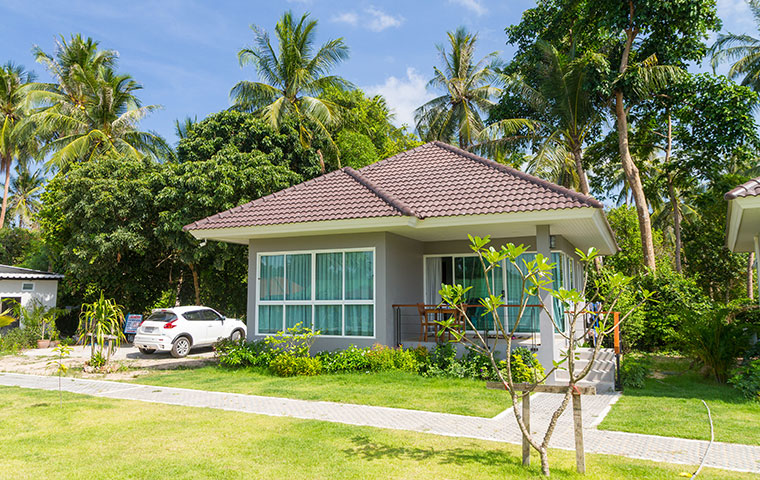 the exterior of a home in kaneohe hawaii