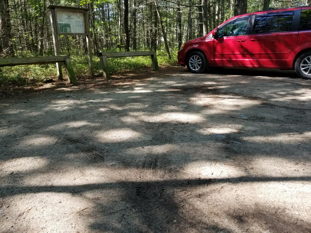 The trailhead at Alewive Woods. Photo credit: Enock Glidden
