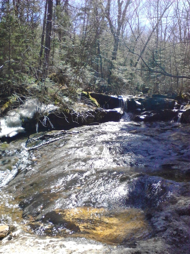 A waterslide of sorts where the trail crosses over Goose Eye Brook (Credit: Lisa C)