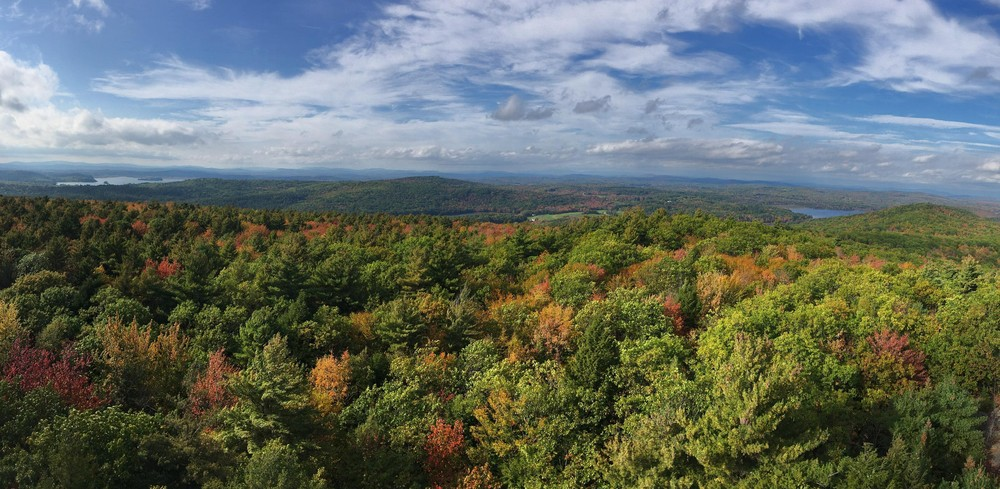 Summit panoramic from the fire tower (Credit: Robert Ratford)