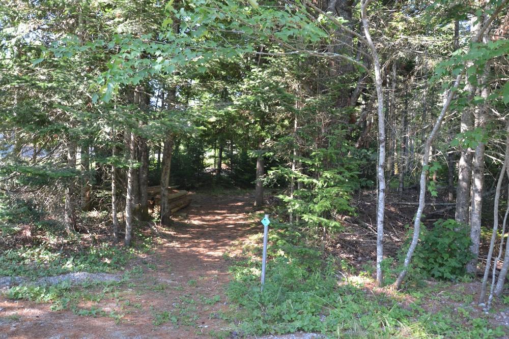 Trailhead (Credit: Maine Trail Finder)