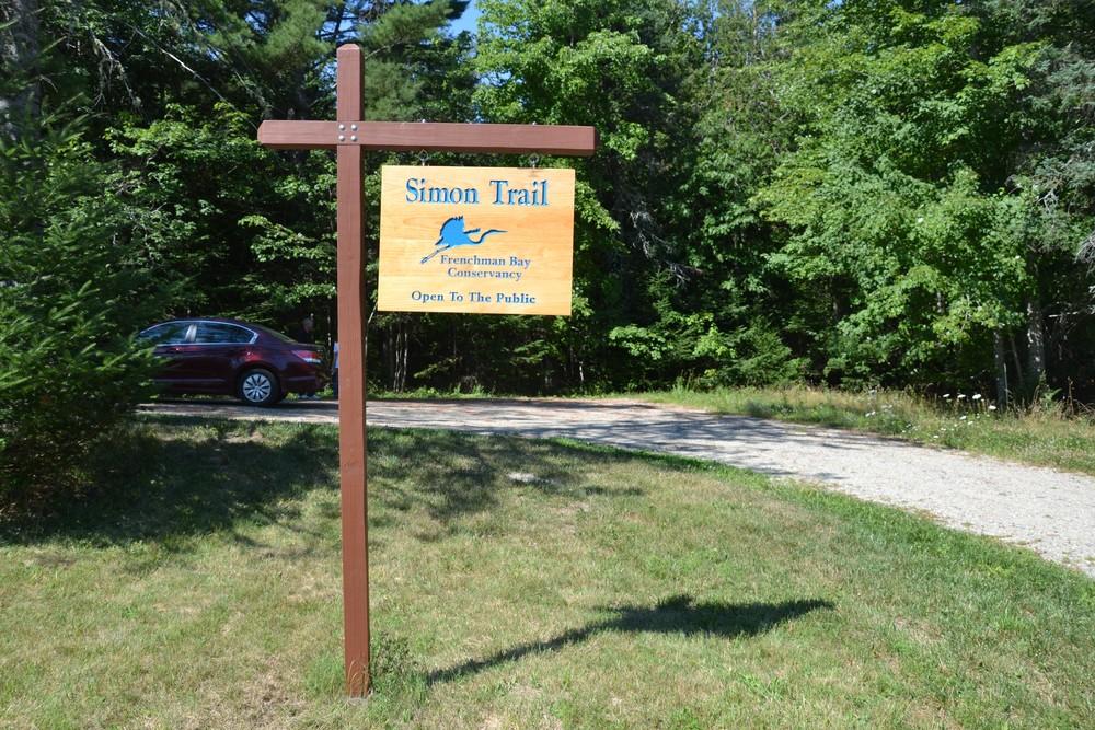 Trailhead parking sign (Credit: Maine Trail Finder)