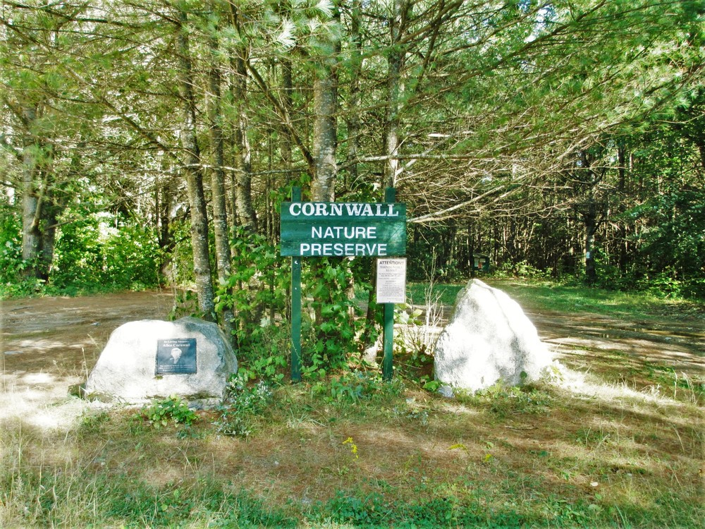Parking lot at the Cornwall Nature Preserve (Credit: Maine Trail Finder)