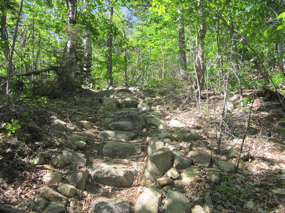 steep rocky trail (Credit: talkingtent)
