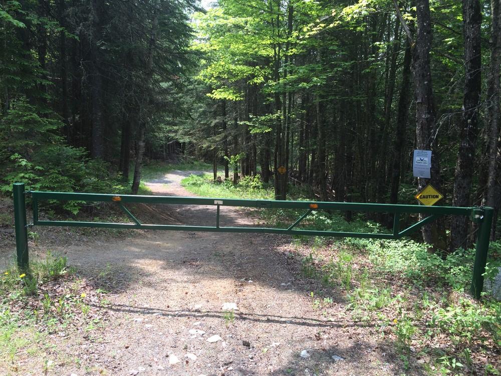 Trailhead gate (Credit: Maine Trail Finder)