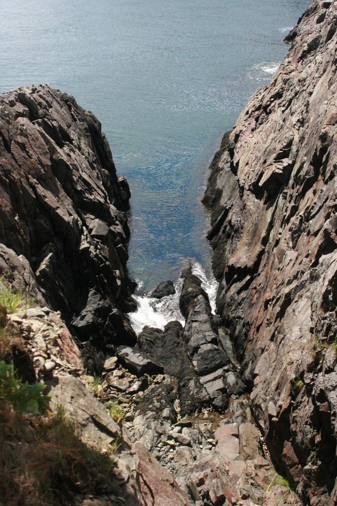 Deep Chasm near Holmes Point (Credit: L. L. Wall)