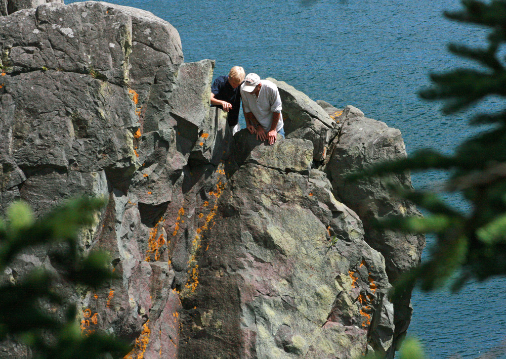 Do Not Try to Climb Down There! (Credit: L. L. Wall (Panoramio))