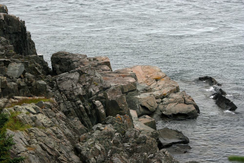 Coast Guard Trail, north of the lighthouse (Credit: L. L. Wall @ Panoramio)