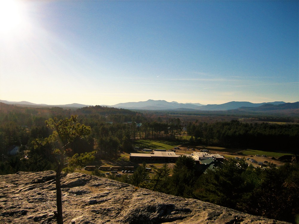 Westward views from the top of the rock (Credit: Maine Trail Finder)