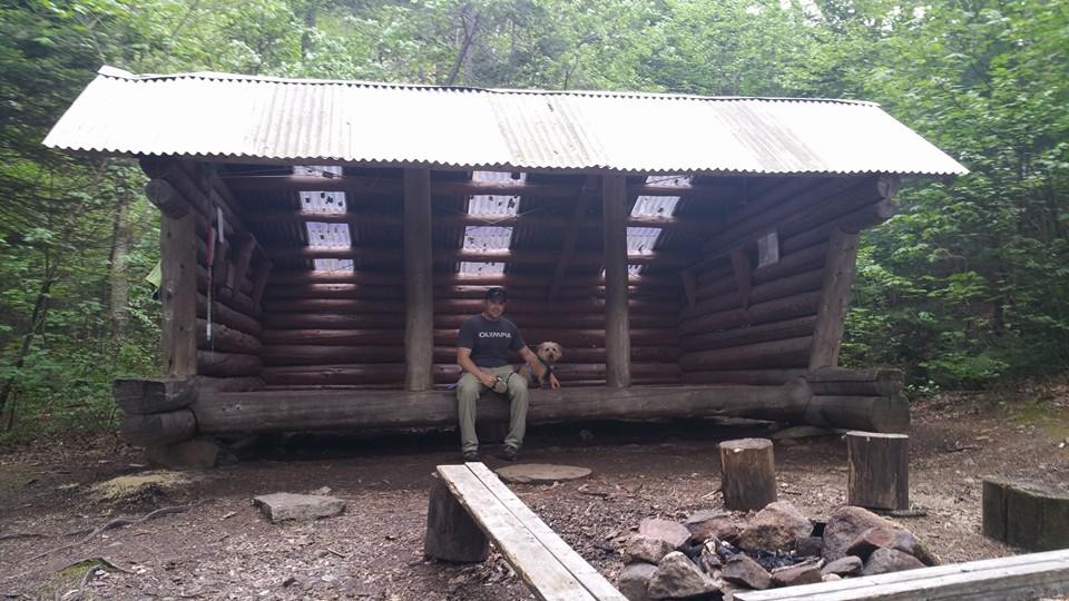 Lean-to Hut (Credit: jralbert21)