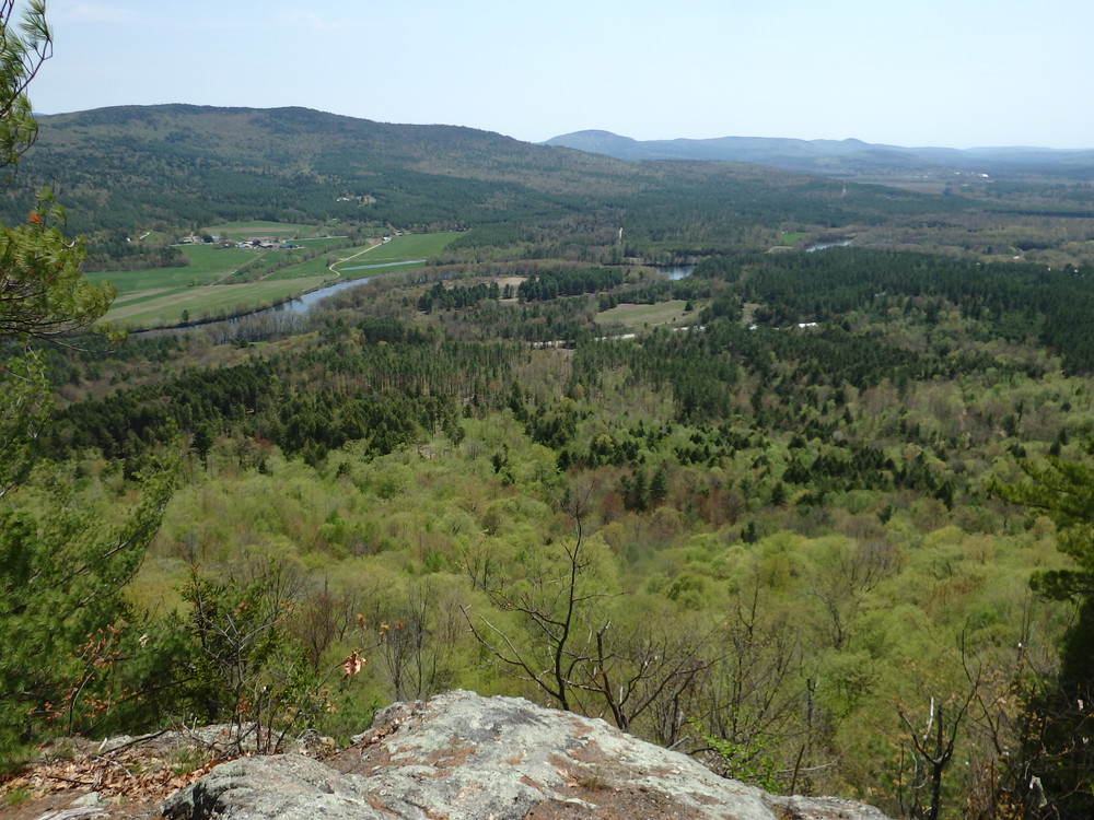 North ledges, in mid-May (Credit: Robert Ratford)