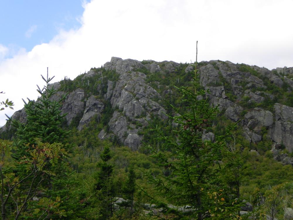 Brook Trail - View of a neighboring peak. (Credit: Chris Nason)