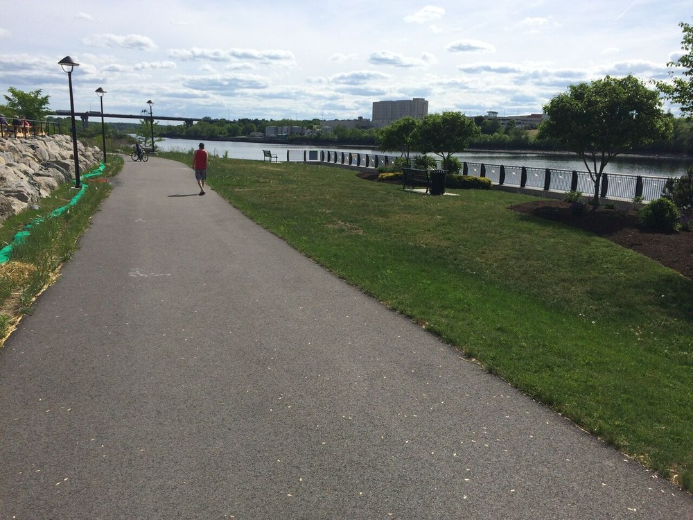 Benches overlooking the Penobscot River (Credit: Maine Trail Finder)