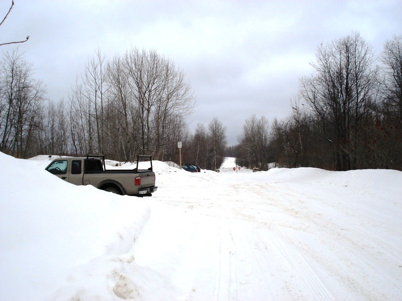 Parking Area in Winter (Credit: Orono Land Trust)