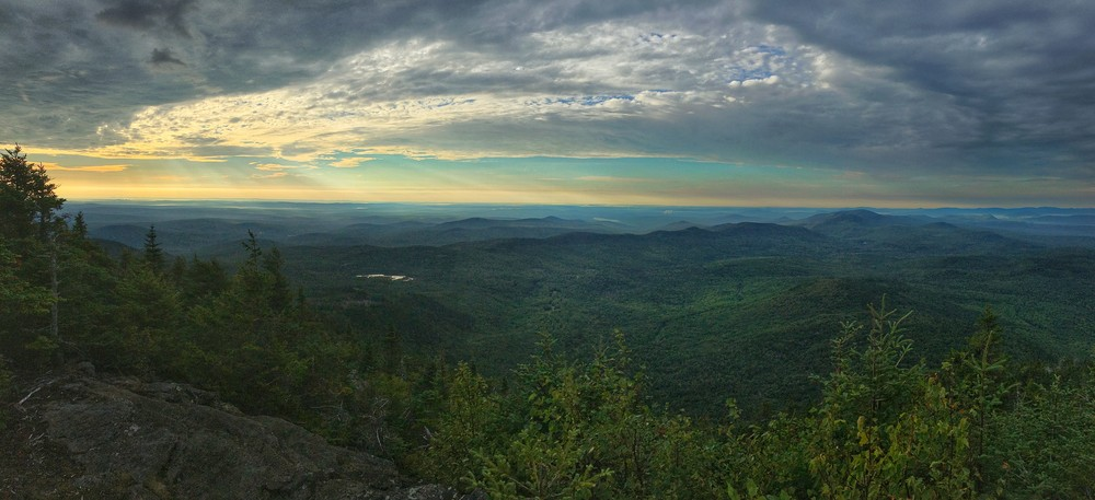 Storms approaching (Credit: Western Maine Flatlanders)