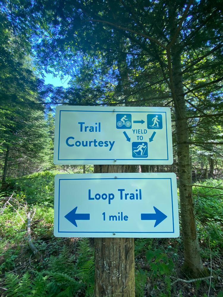 Trail Etiquette (Credit: RLHT)