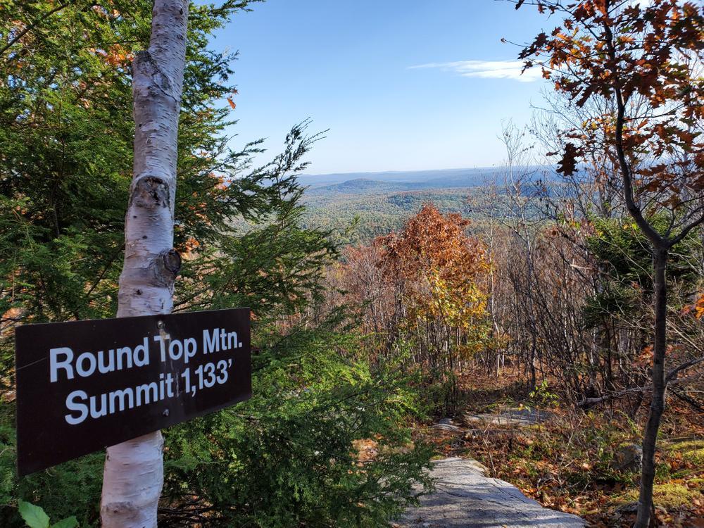 Summit sign & view (Credit: MacDragon)