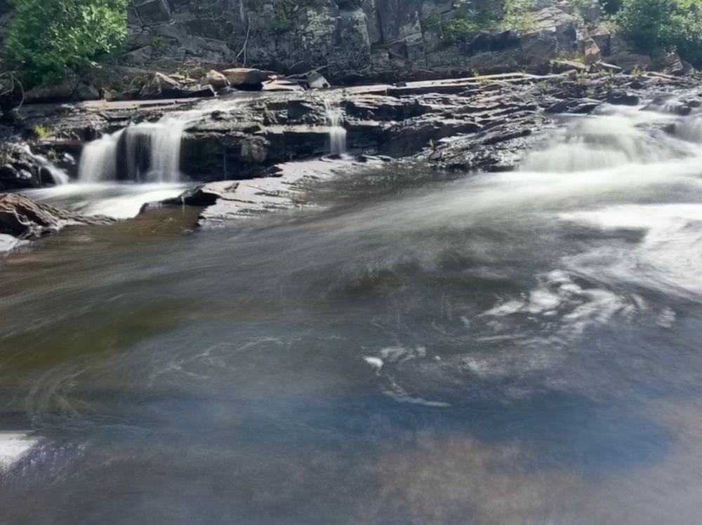 Screw auger falls (Credit: Kelsey Mills)