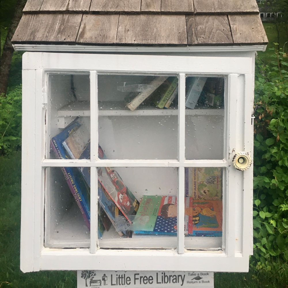 Free Little Library station on trail running through private property (Credit: S.Curry)