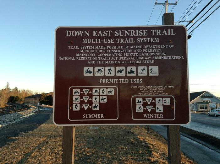 Trail rules sign in Ellsworth (Credit: Maine Trail Finder)