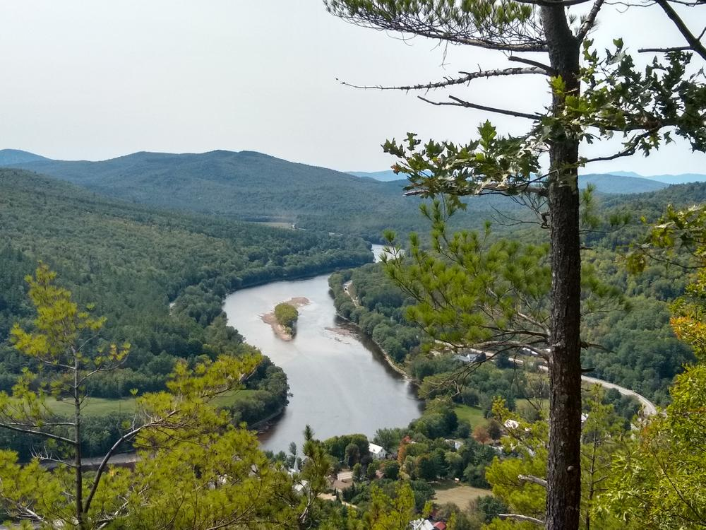 Glass face ledge view of river (Credit: Nikki Viden)