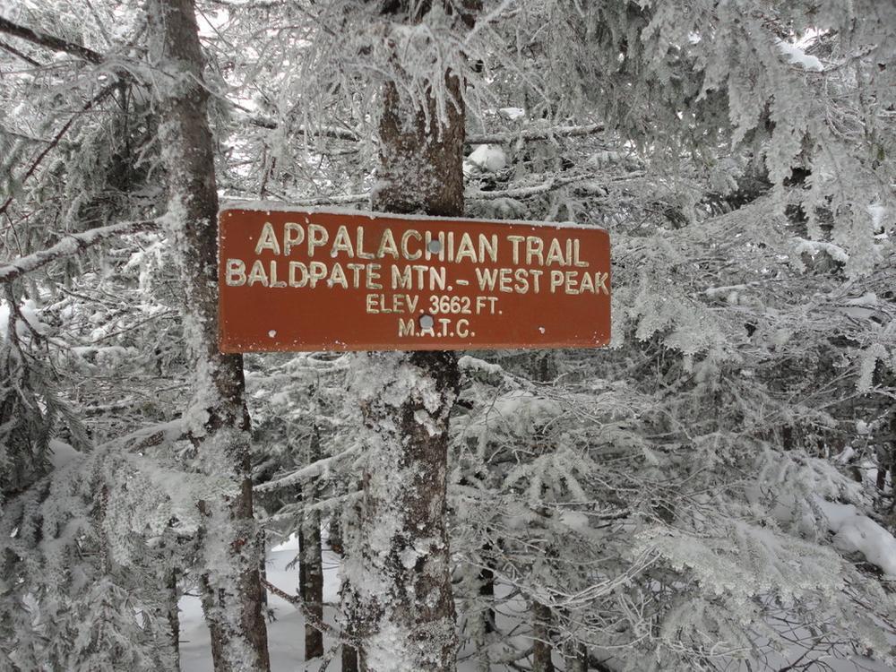 Baldpate West Peak Summit Sign (Credit: Remington34)