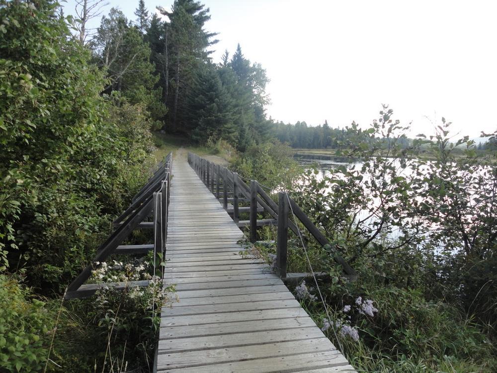 Newer Stratton Brook crossing bridge (Credit: Remington34)