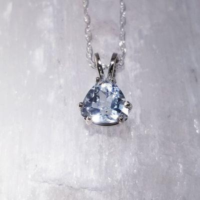 Clear Blue Maine Aquamarine Pendant