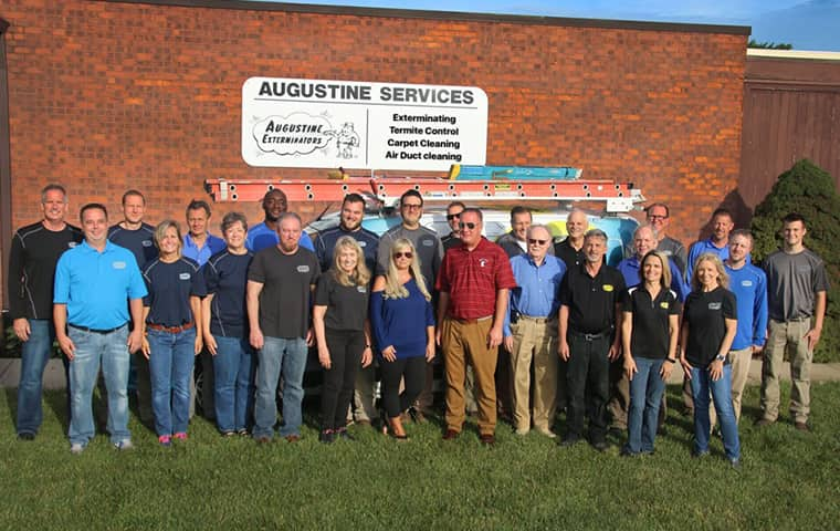 augustine exterminators pest control team in kansas city