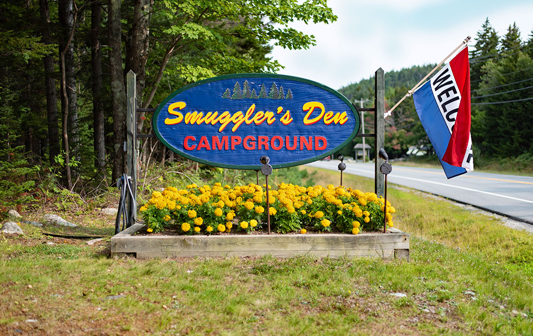 smuggler's den campground sign