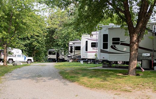 campers at smuggler's den campground