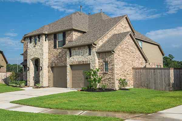 a beautiful brick home in bellaire texas