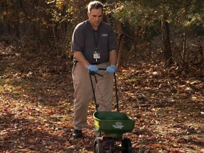 professional tick management services in new jersey at work