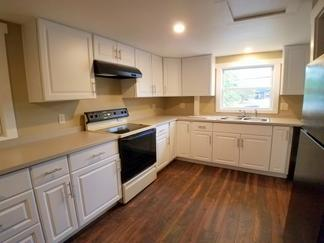 Apt, 1 BR, Farmington, $1,200 monthly, Close to downtown, Fully Remodeled, Includes Heat...