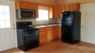 Apartment, 3 Bedroom, Farmington, $800 monthly, includes heat & electric, Apt #2